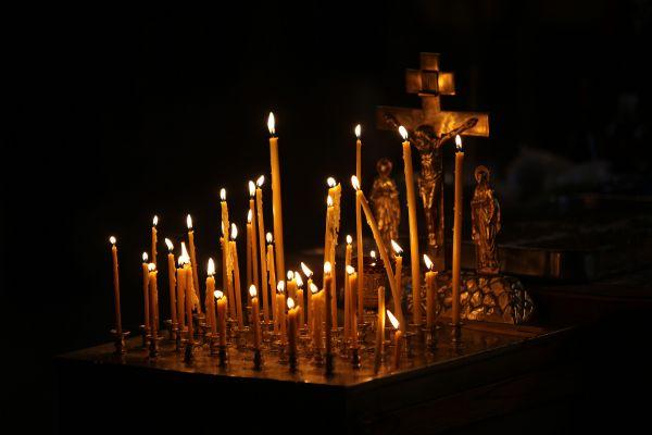 Поставить Свечи на Канун (о упокоении)