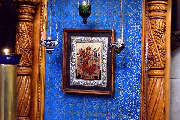 Икона Божией Матери `Всецарица`