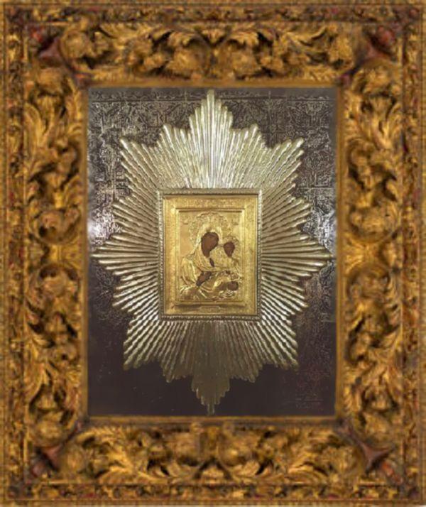 Икона Божией Матери «Избавительница от бед» с частичкой «Ризы Ея»
