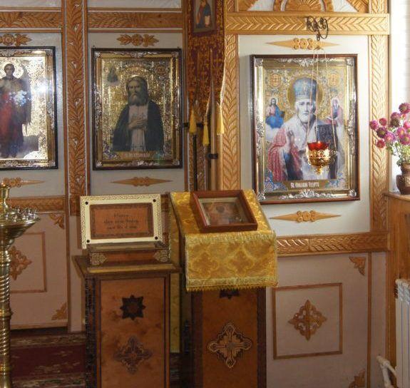 Поставить свечу пред иконой и мощами свт. Николая Чудотворца
