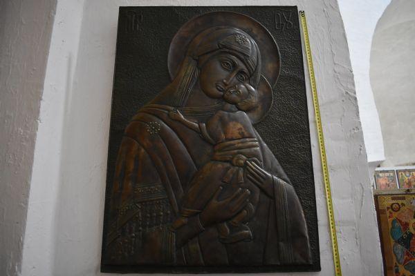 Икона Божией Матери Милующая (Елеуса) Старинная чеканка